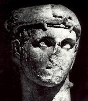 Голова Геракла. Скопас. Западный фронтон храма Афины Алеи в Тегее. IV в. до н.э.