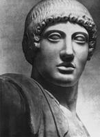 Голова Аполлона с западного фронтона храма Зевса в Олимпии. 470—456 гг. до н.э. Мрамор. Олимпия, Музей