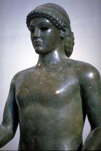 Аполлон из Пьомбино (Фрагмент. Около 475 г. до н.э. Париж, Лувр)