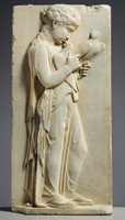 Надгробие девочки. Паросский мрамор. 450-440 гг до н.э.