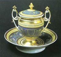 Чашка с блюдцем и крышкой. Завод Гарднера. 1820-1830-е гг.