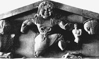 Медуза Горгона с фронтона храма Артемиды на о. Корфу (начало VI в. до н.э.)