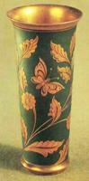 Декоративная ваза Цветы и бабочки. Автор В. Тарынин. Сталь, гравировка, травление, синение, никелирование, золочение. 1964 г.