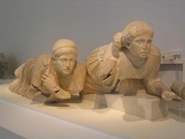 Скульптуры женщин. Западный фронтон храма Зевса в Олимпии. I половина V в. до н.э. Олимпия, Музей