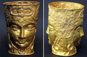 Чаша с изображением бога Януса