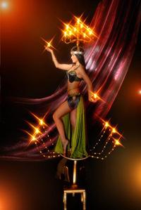 Танец с канделябром