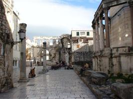Дворец императора Диоклетиана в Трогире